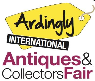 "Octobre 2016 Nos meubles au salon international ""Ardingly d'Antiquité et de Collection en Angleterre"