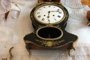 Restauration d'une pendule Neufchatéloise datée 1835