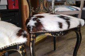 Restauration de chaises Napoléon III en hêtre teinté incrustation de nacre et peinture décorative