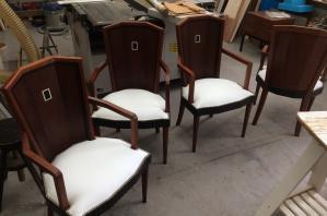 Restauration d'une Table + 8 chaises époque Art Déco estampillées Fernand Chambon